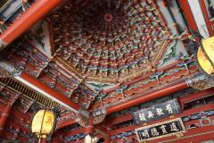 Plafond in tempel in Taipei